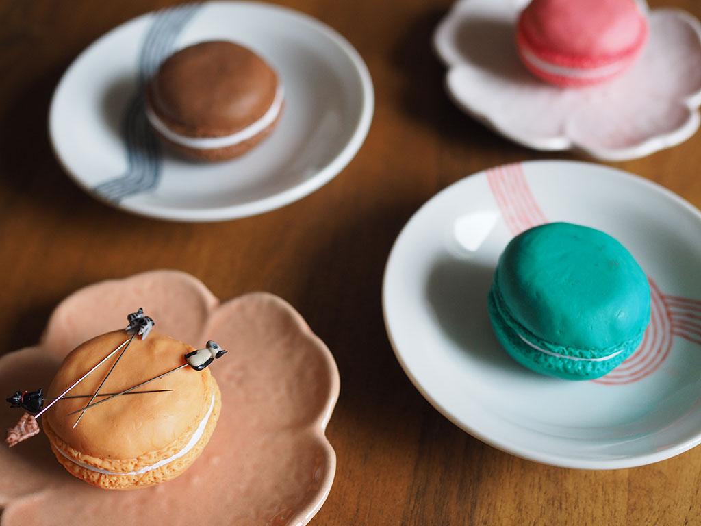 How To Macaron Pattern Weights And Magnetic Pincushion Seamwork Magazine